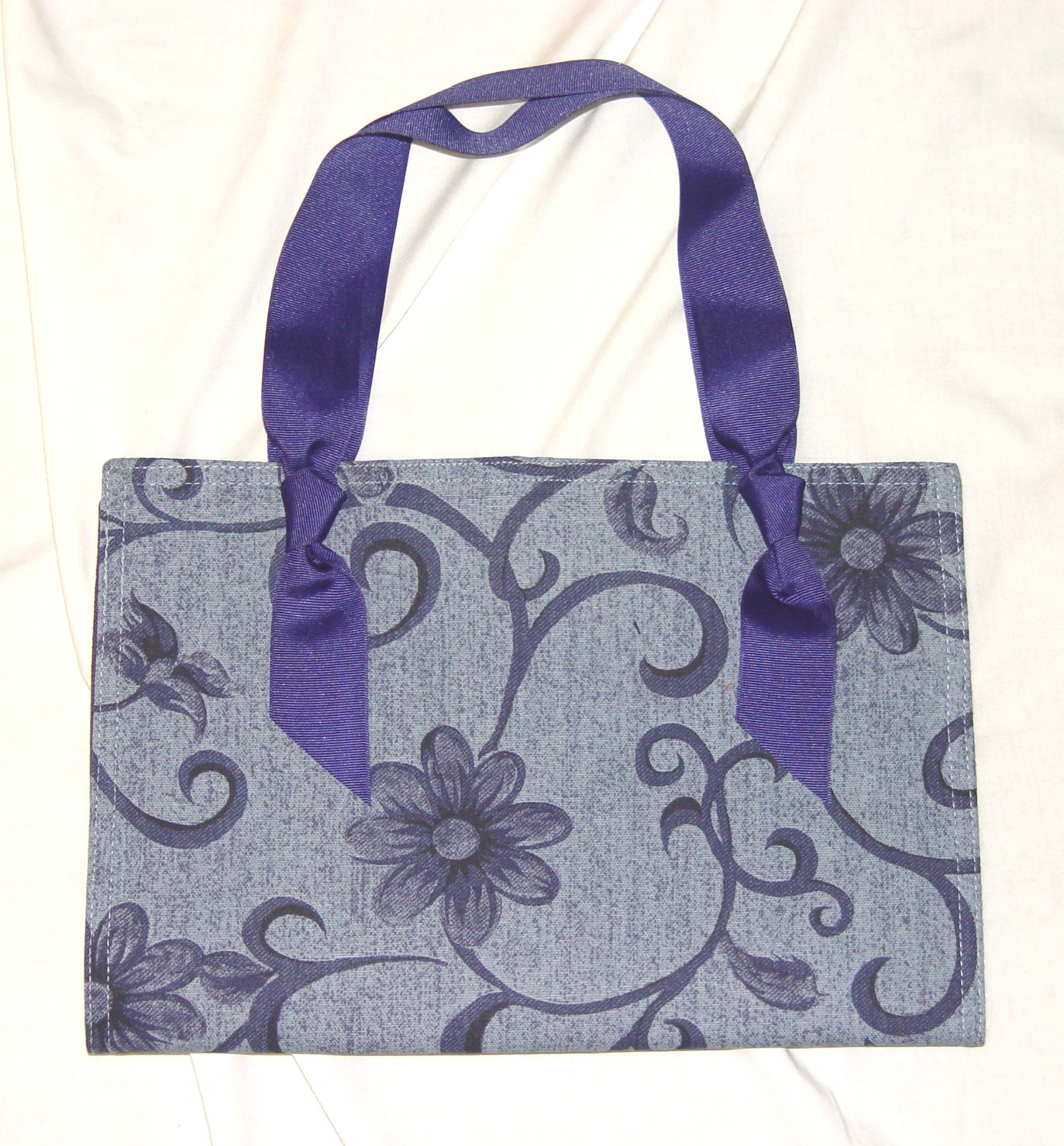 Monogrammed Placemat Purse 1